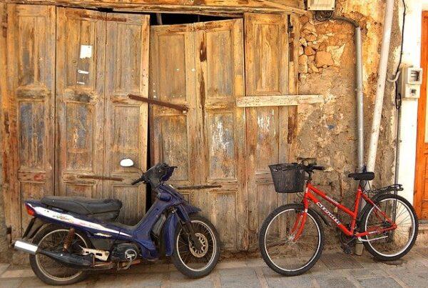 Gdzie i jak przechowywać motocykl, skuter czy rower poza sezonem